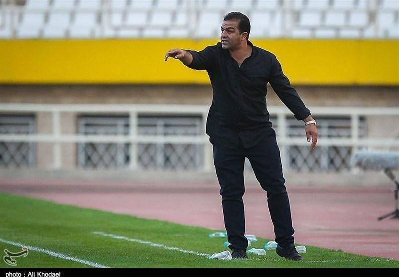 داود مهابادی از راهنمایی تیم فوتبال شهرداری ماهشهر استعفا کرد
