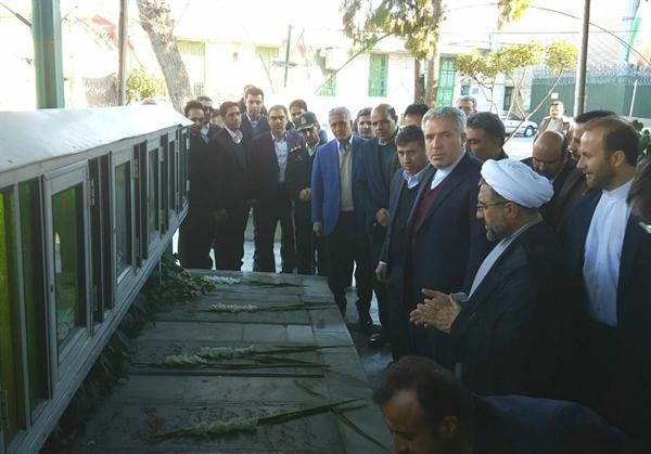 ادای احترام رئیس سازمان میراث فرهنگی به مقام شامخ شهدا در کرج