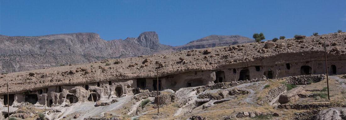 میمند ؛ روستای صخره ای سه هزار ساله شهربابک ، سفر به روستای افسانه ای و اقامت در دل کوه ، اینجا زندگی در میان صخره ها جریان دارد