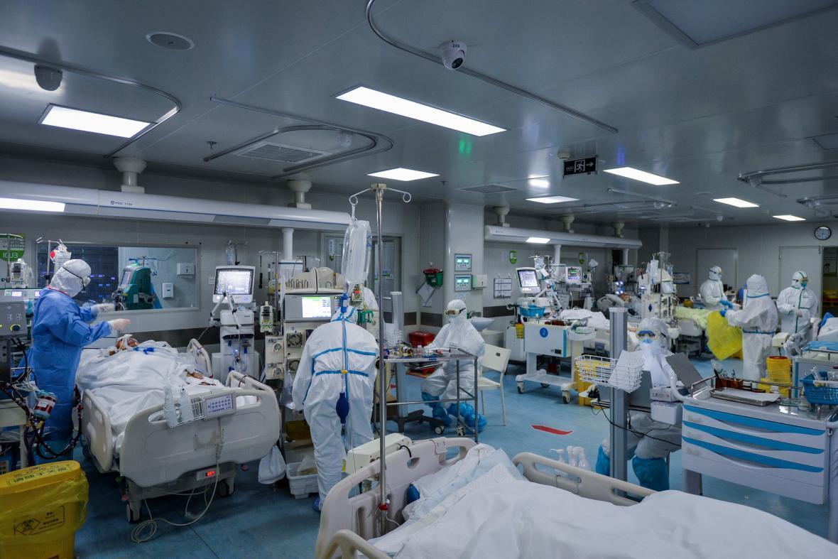 آمریکا برای مهار کرونا با کمبود تجهیزات پزشکی روبرو است