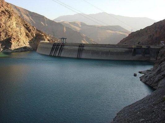 تخلیه آب از سدهای استان مرکزی با هدف مدیریت سیلاب آغاز شد