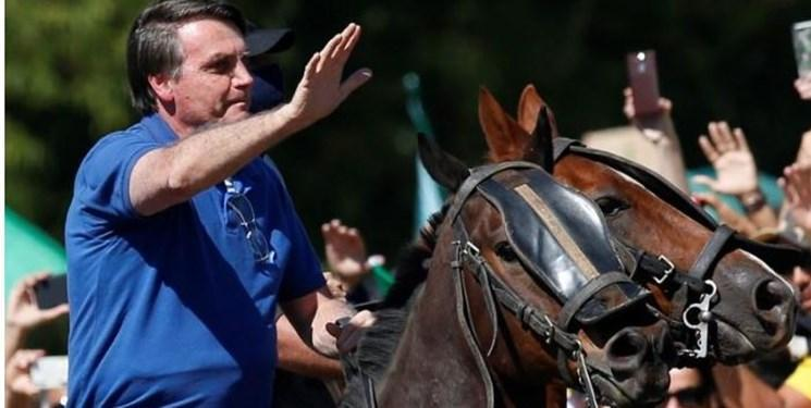 رئیس جمهوربرزیل با اسب به صف معترضان به دیوان عالی پیوست