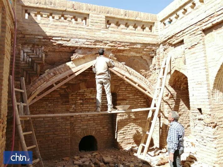اتمام بازسازی رختشویخانه و حوض میدان تاریخی محمدیه در نائین