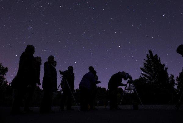 مقارنه ماه و مریخ فردا رخ می دهد، بهترین فرصت برای رصد مریخ