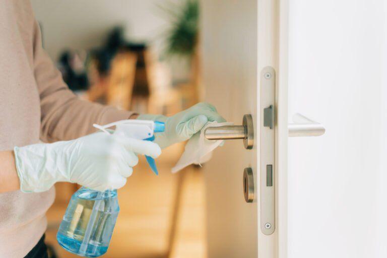 چگونه از بیمار مبتلا به کرونا در خانه مراقبت کنیم؟