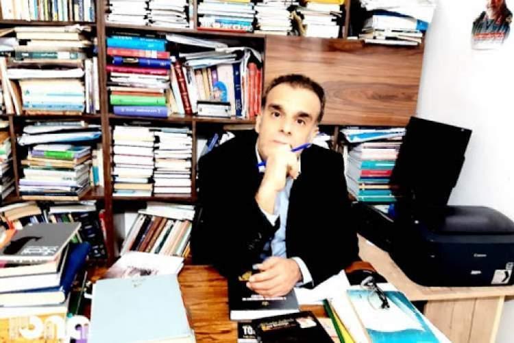 چکش کاری واژه ها در غزل های نوجوان بوشهری