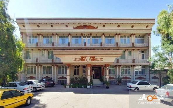 هتل اخوان کرمان؛ اقامتی مقرون به صرفه در کرمان