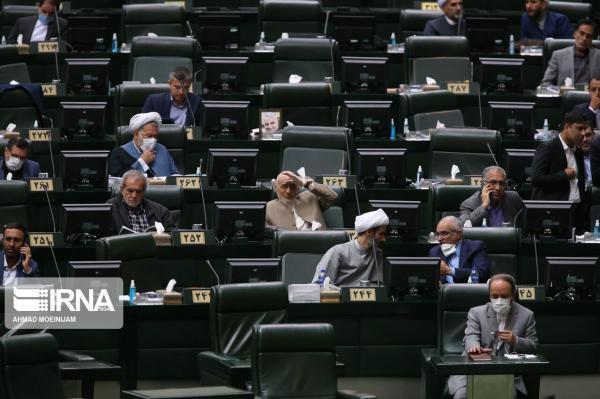 خبرنگاران طرح شفافیت آرای نمایندگان دوباره در مجلس آنالیز می گردد