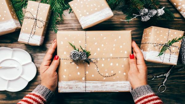 برای تولد صمیمی ترین دوستم چه هدیه ای بخرم؟