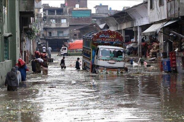 بارندگی سیل آسا و ریزش سقف خانه ها در پاکستان، 16 تن جان باختند